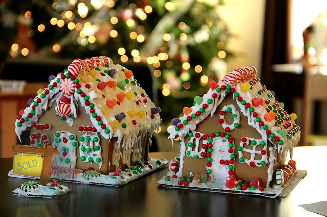 Gingerbread Housing