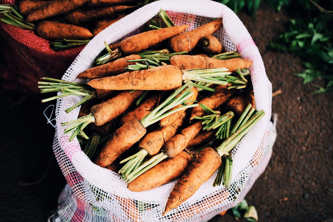 Carrots in a cloth bag
