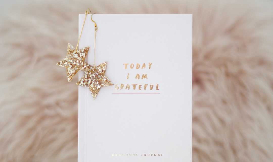 "Book that says ""Today I am grateful."""